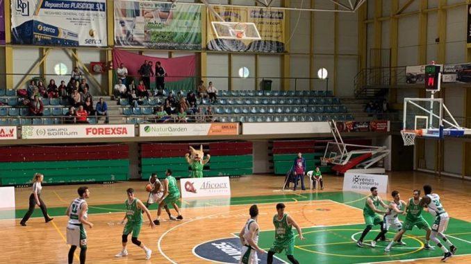 El Extremadura Plasencia sigue creyendo tras vencer a La Roda en el estreno de Raúl Pérez