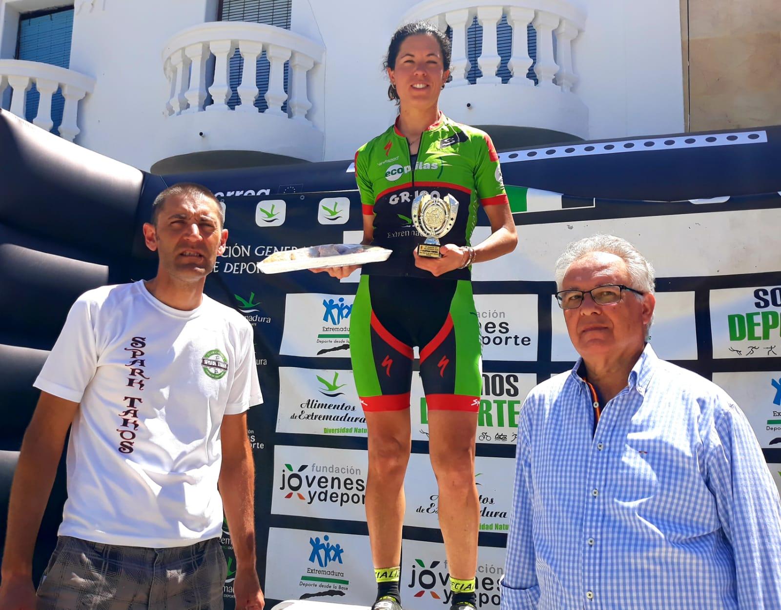Victoria de Pedro Romero y Desi Castro en Valdehornos Race