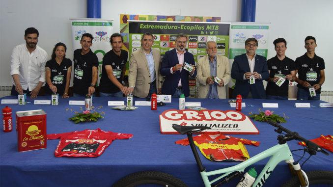El equipo Extremadura-Ecopilas presenta a sus cinco deportistas en Plasencia